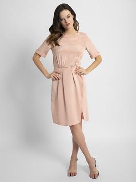 8bfb1e06865 Женские платья с короткими рукавами и декоративными подворотами ...
